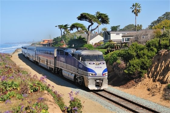 train near bluff in Del Mar