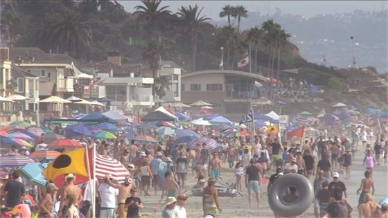 Busy main beach on July 4, 2021
