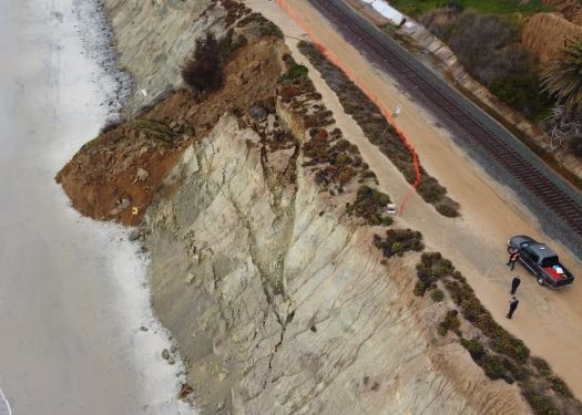 4th Street bluff collapse 525x375